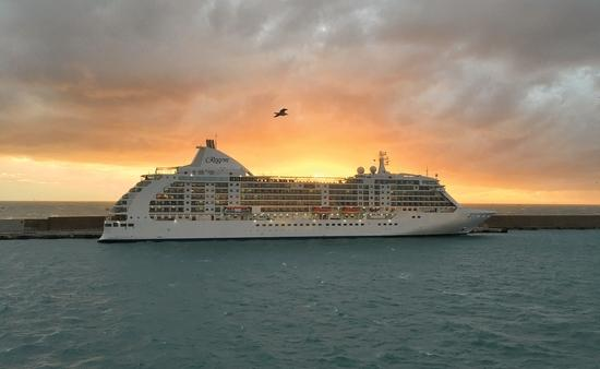 Seven Seas Voyager Will Sail to Cuba in 2019