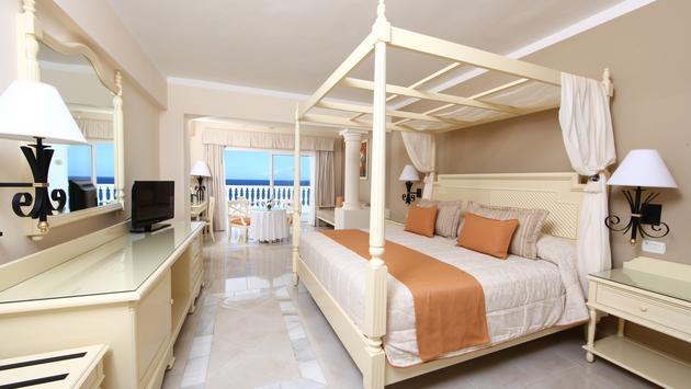 Room at the Bahia Principe Luxury Runaway Bay.