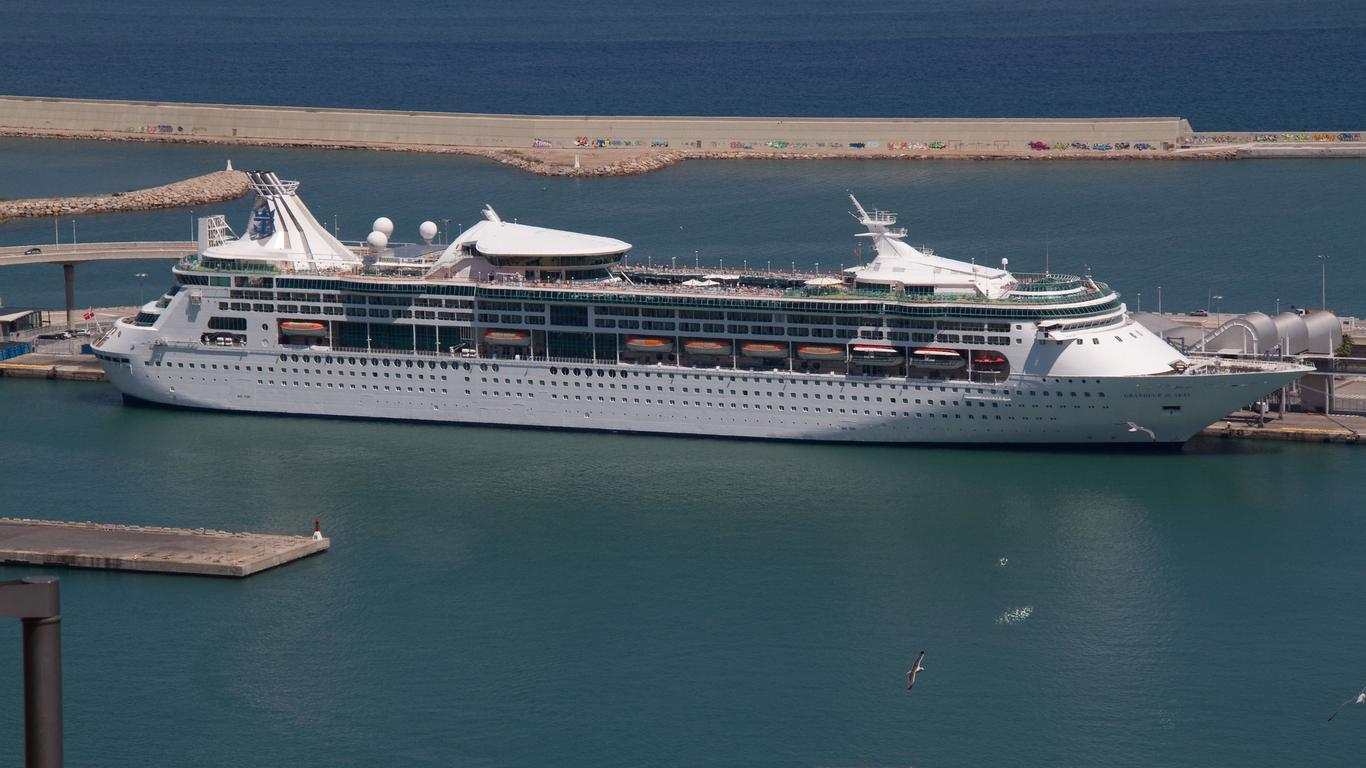 Royal Caribbean's Grandeur of the Seas Transferring to Pullmantur in 2021