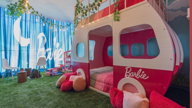Barbie, glamping, camper