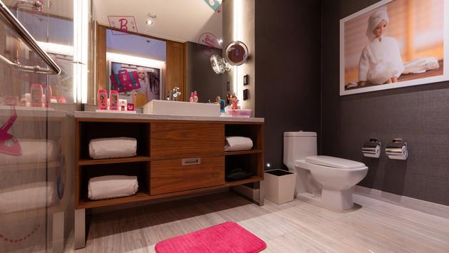 Barbie, bathroom, suite, hilton