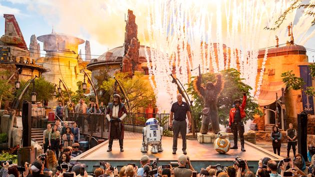 Star Wars: Galaxy's Edge Dedication Moment at Disney's Hollywood Studios