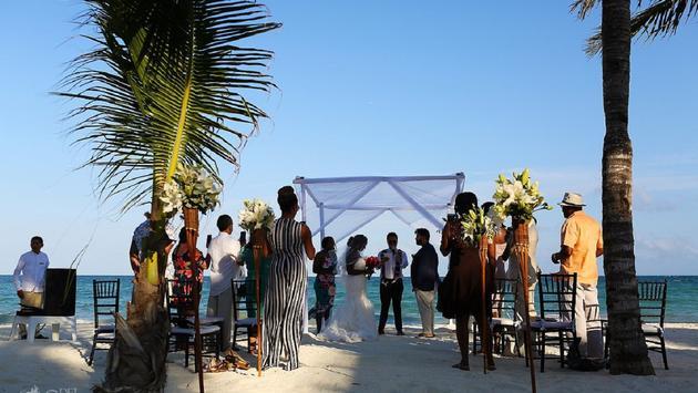 BlueBay, wedding Couple