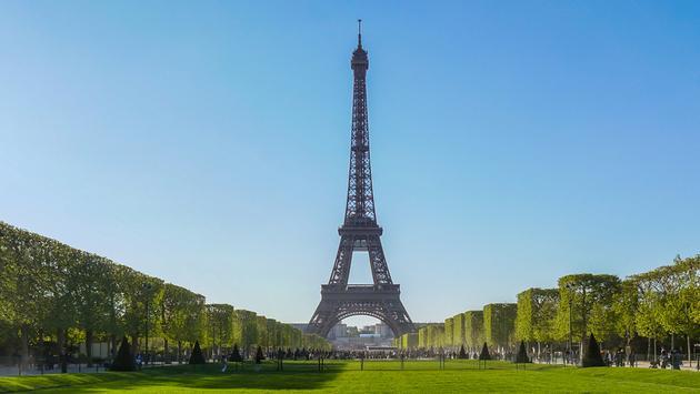 Deluxe Paris Summer Getaway