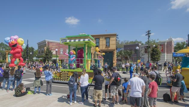 Parade at Sesame Street at SeaWorld Orlando