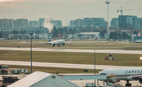 WestJet 737 MAX lands in Vancouver Jan. 21, 2021