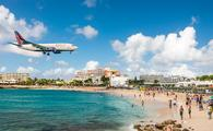 Delta flight approaches St Maarten
