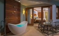 Caribbean Beachfront Walkout Grande Luxe Club Level Room with Tranquility Soaking Tub