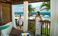 Pink Gin Beachfront Walkout Club Level Room with Patio Tranquility Soaking Tub