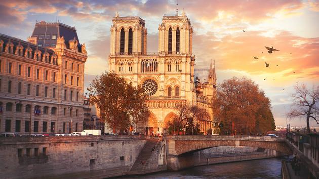 Notre Dame facade.