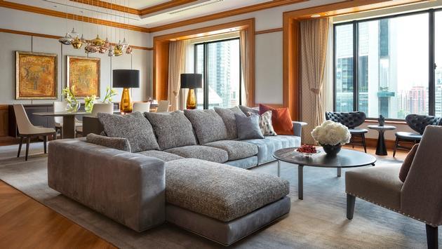 Four Seasons Hotel Singapore Governor Suite