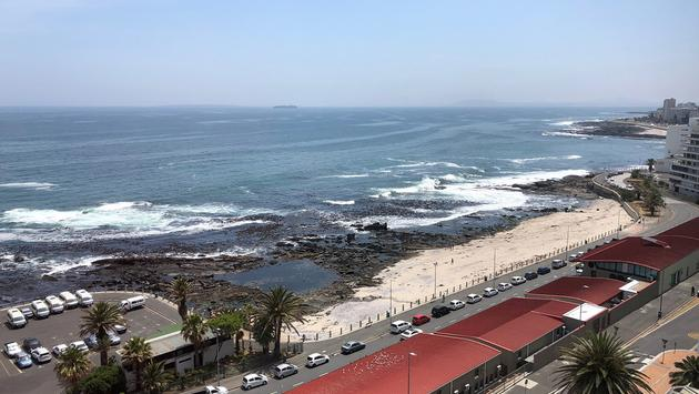 Outside view from Cape Town Peninsula Hotel