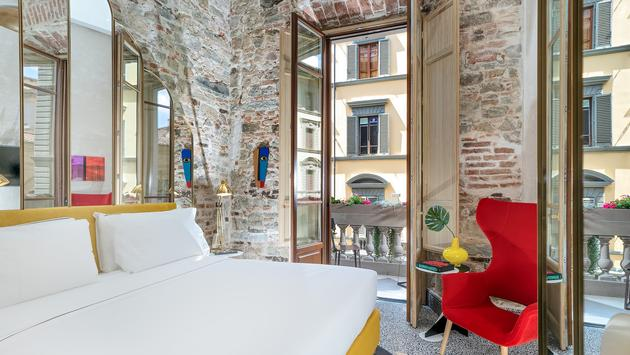 Hotel Calimala guest room
