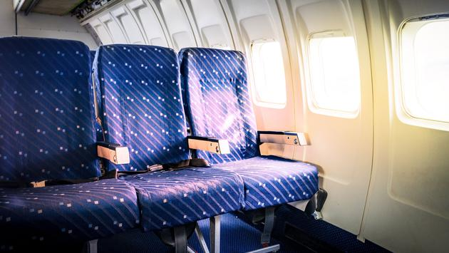 Seats in commercial aircraft cabin