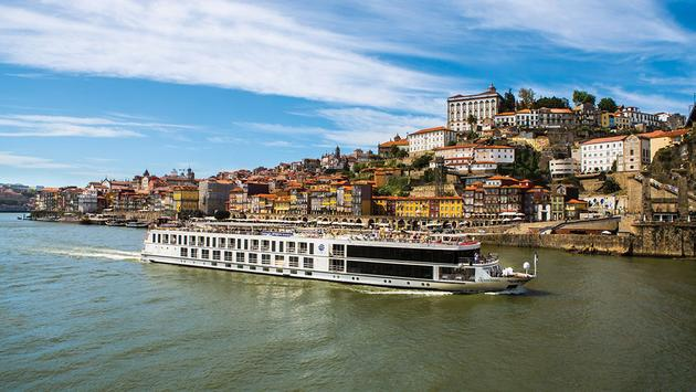 Uniworld Boutique River Cruise Collection's Queen Isabelle on a Douro River sailing