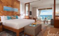 1 Free Night: Beachfront Honeymoon One-Bedroom Butler Suite w/ Balcony Tranquility Soaking Tub
