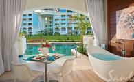 Up to $1,000 Instant Credit: Royal Seaside Swim-up Club Level Ultra Suite w/ Patio Tranquility Soaking Tub