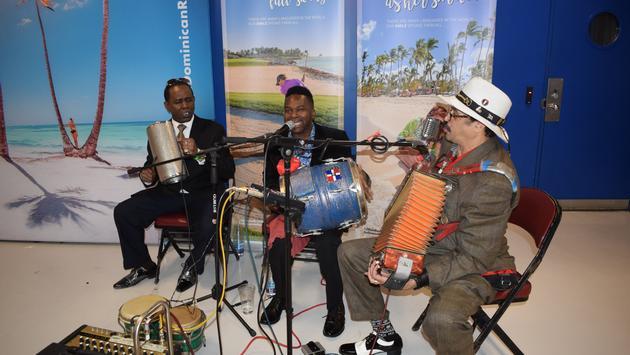 Un band de musique de la République dominicaine à Montréal