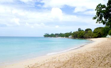 FOTO: La playa Alleynes Bay en Barbados. (Foto de Barbados Tourism Marketing Inc. Blog)