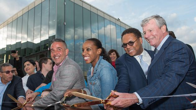 Empire Outlets Ribbon Cutting