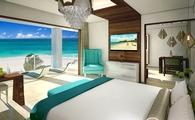 Beachfront One Bedroom Butler Suite w/ Balcony Tranquility Soaking Tub