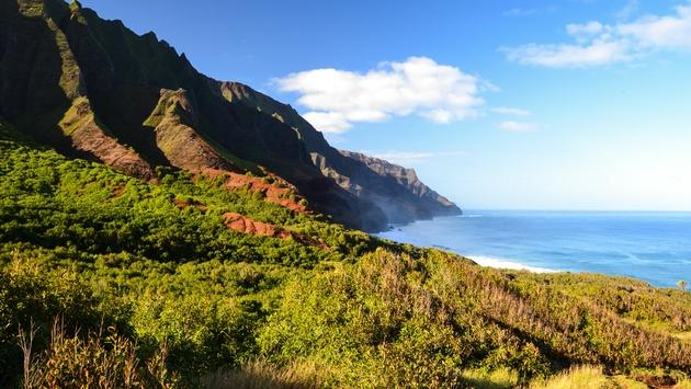A view of the Na Pali Coast near Kalalau Beach, taken from the 11 mile Kalalau Trail.