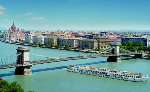 BOOK NOW SAVINGS ON SELECT RIVER VOYAGES