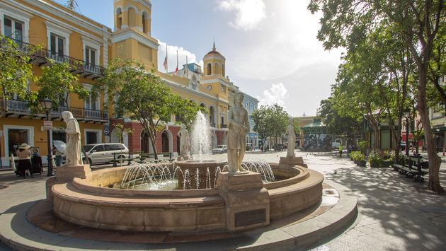 FOTO: Plaza de Armas en el Viejo San Juan (Discover Puerto Rico)