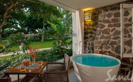 Stay at Sandals Saint Lucia for only $304 PP/PN