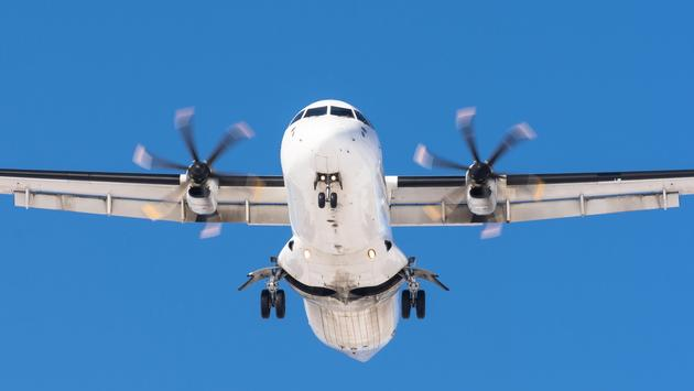 Turboprop aircraft mid-flight
