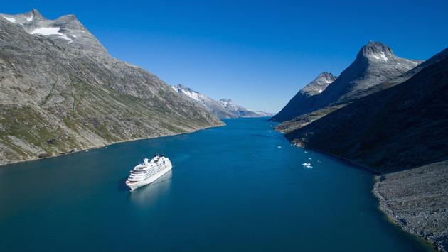 Seabourn cruise ship in Greenland