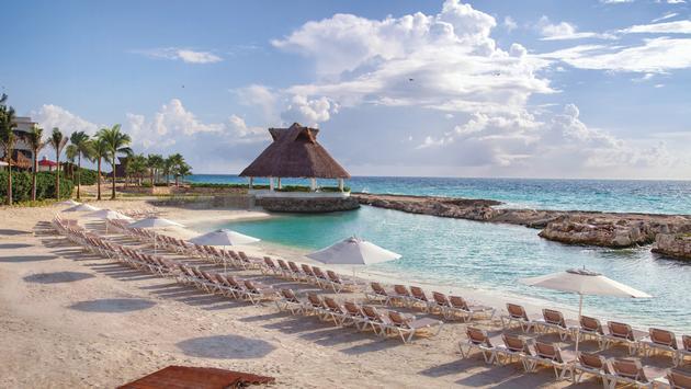 Beach umbrellas, Hard Rock Hotel Riviera Maya