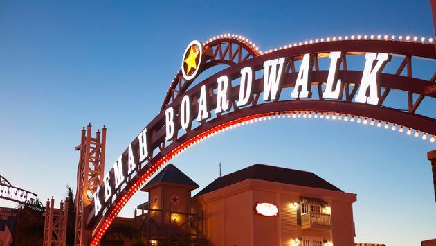 Texas, Galveston Bay, 'Kemah Boardwalk' sign