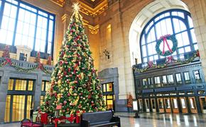 Beautiful Christmas Tree decorated inside Union Station in Kansas City, MO.