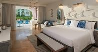 $1000 Instant Credit + More | Royal Seaside Swim-up Club Level Ultra Suite w/ Patio Tranquility Soaking Tub