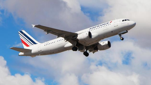 Air France Airbus A320 taking off from Spain's Barcelona-El Prat Airport