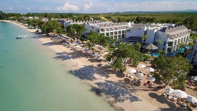 Seven Mile Beach at Azul Beach Resort Negril by Karisma