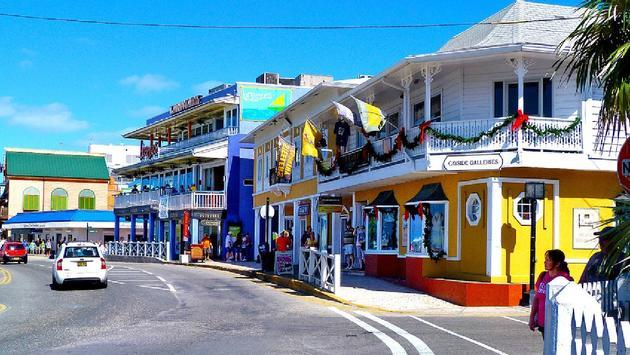 Cayman Islands Posts Strong First Quarter Land and Sea Arrivals