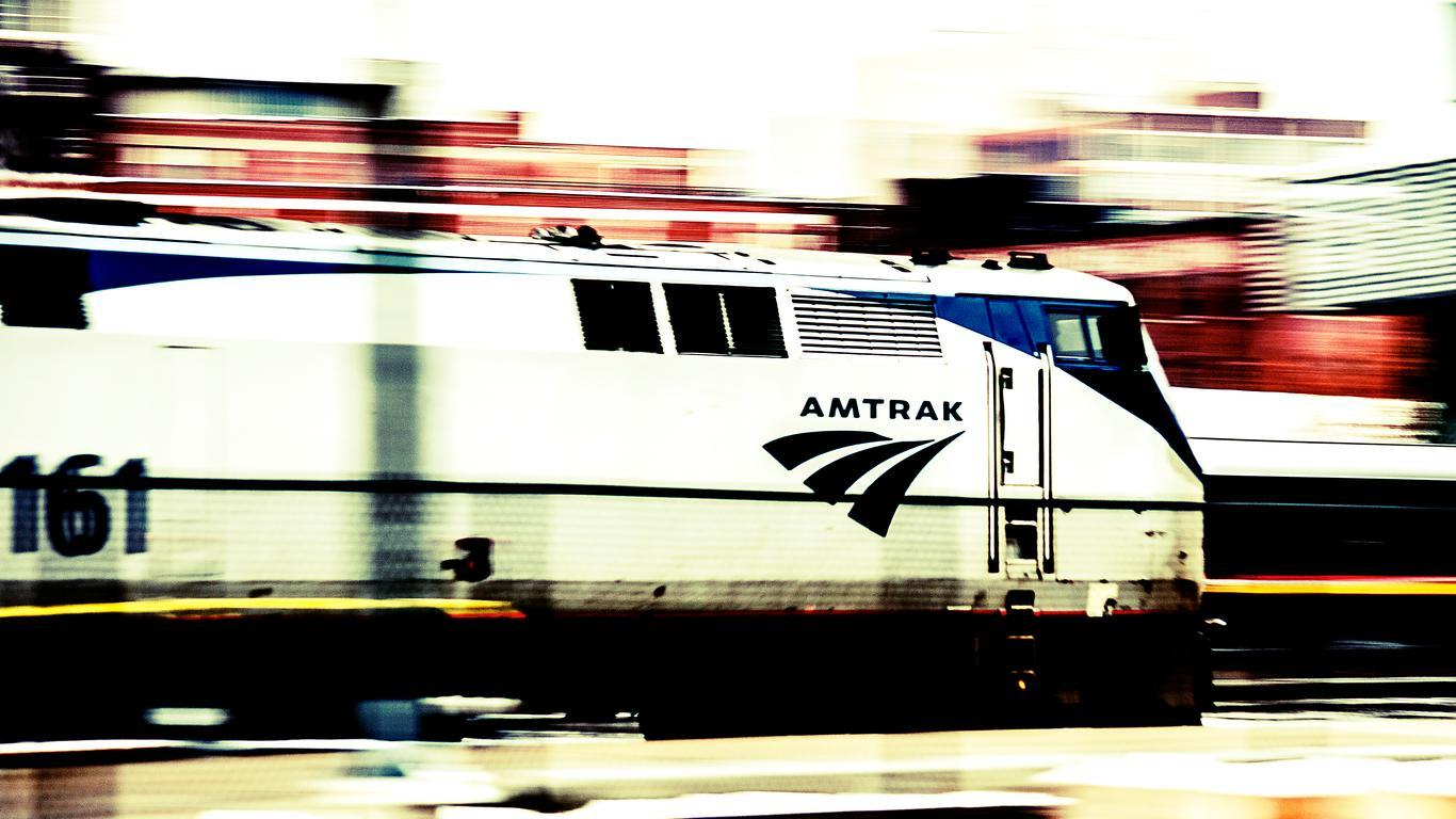 Amtrak Train Suffers Power Outage, Passengers Forced to Use Makeshift Toilet