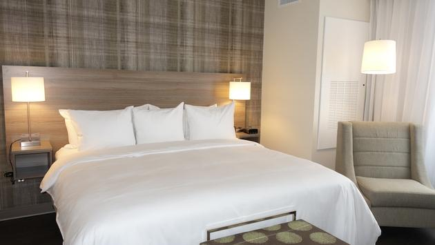 Guest room at the new Radisson Kingswood Hotel & Suites