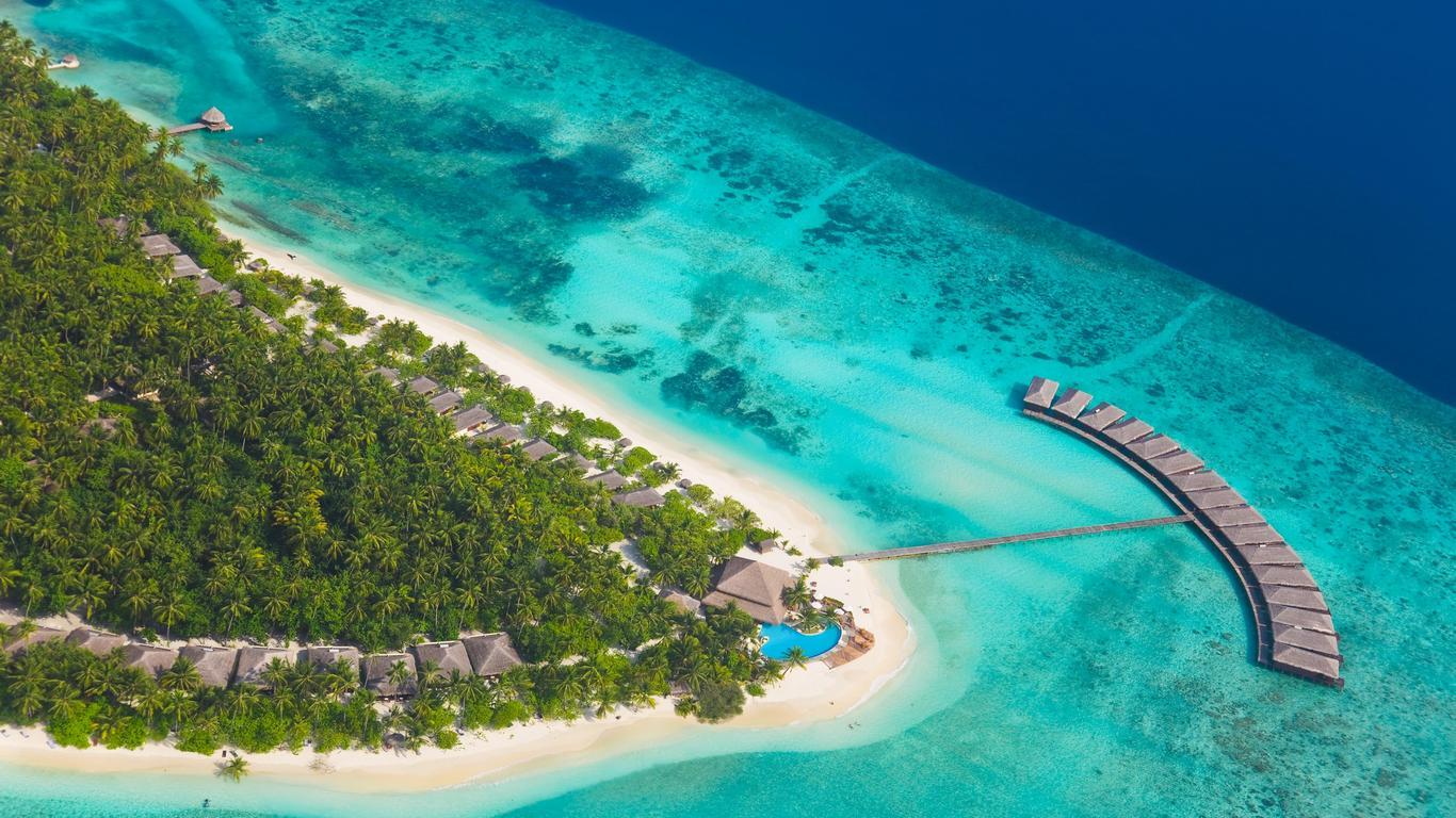 Luxury Hotels Doing Their Part To Save The Maldives