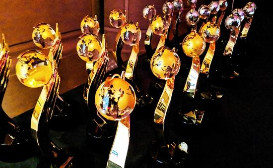 2019 Travvy Awards statuettes