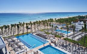 Sunwing says the top-rated Riu Palace Riviera Maya has re-opened after a major renovation.