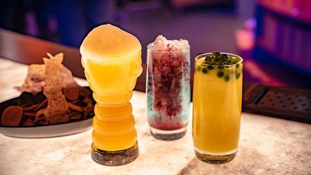 Disneyland, drinks, star wars