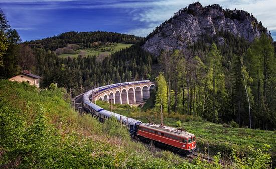 Tauck - Golden Eagle Danube Express train