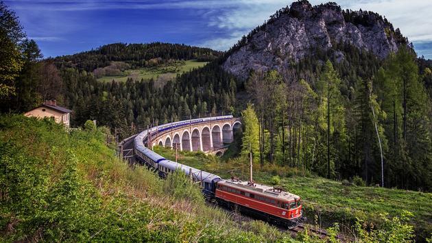 Tauck - Golden Eagle Danube Express train