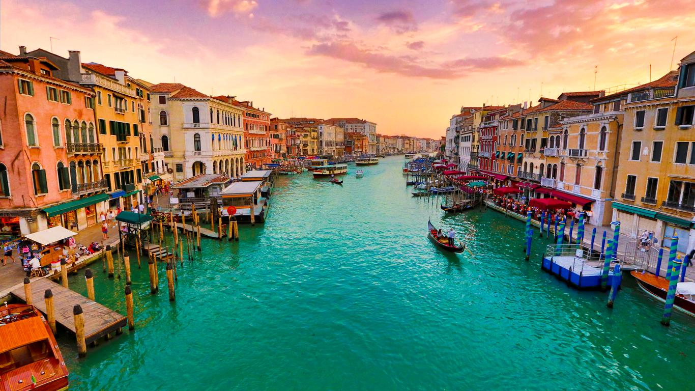 Venice Goes From Facing Floods to Facing Outbreak
