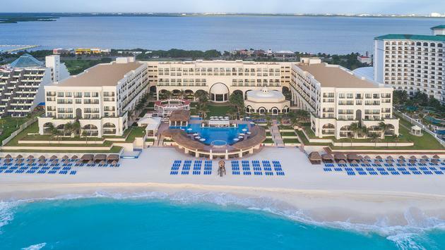 Aerial view of Marriott Cancun Resort.