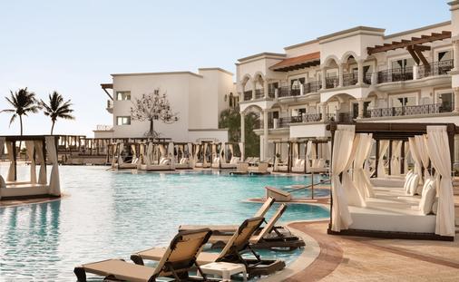 5th Night Free at Hilton Playa del Carmen!