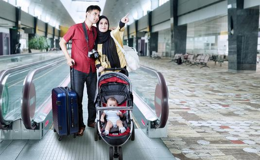 Muslim, family., travel, airport